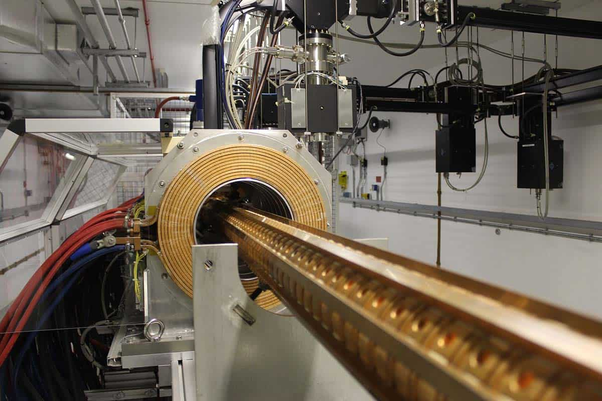 What Is The Main Purpose Of A Particle Accelerator