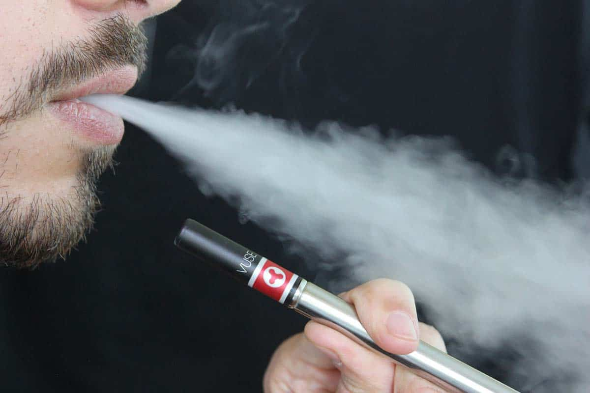 How Vaping Can Help You Quit Smoking Cigarettes