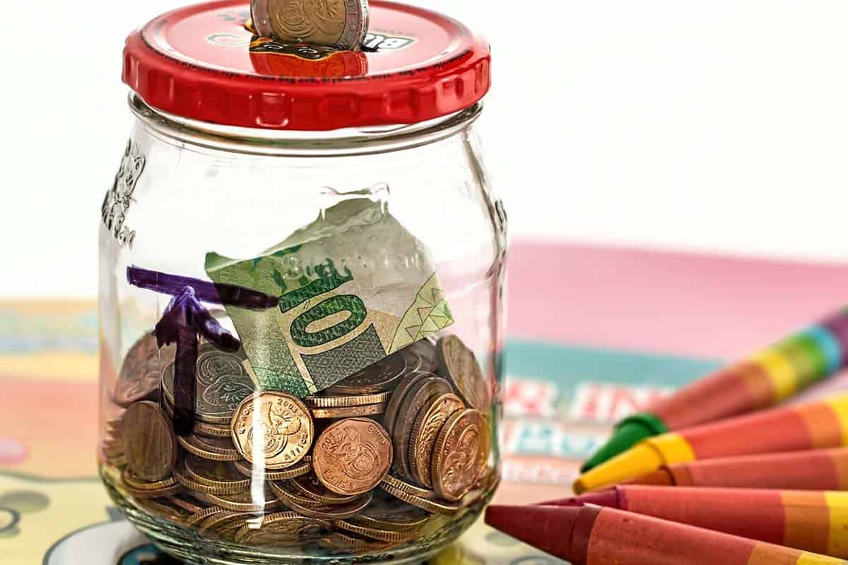 Top 10 Money-Saving Tips For College Students