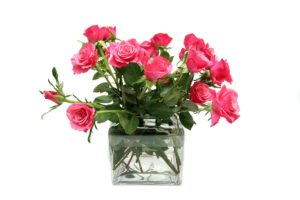 How Long Do Roses Last In A Vase