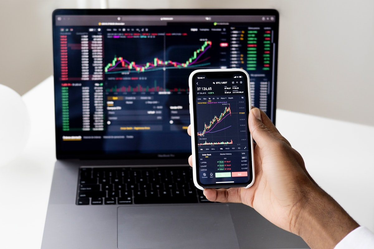 Which Forex EA And Signals Can You Recommend